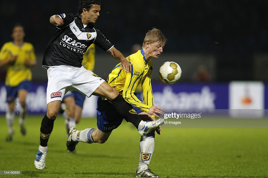 Michael Timisela Of Vvv Venlo Bob Schepers Of Sc Cambuur During The News Photo Getty Images