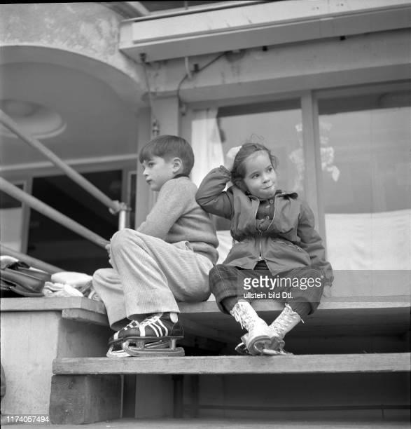 Michael und Josephine Chaplin, 1953