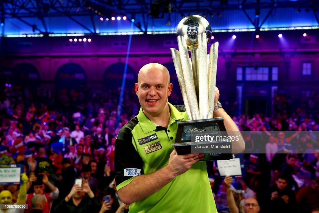 2019 William Hill World Darts Championship - Final : News Photo