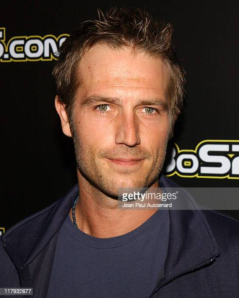 Michael Vartan during 2005 BosPokercom Celebrity Poker Tournament Arrivals at Private Residence in Beverly Hills California United States