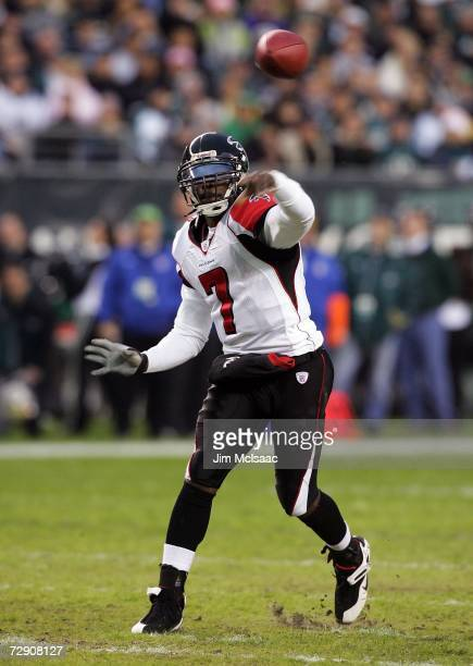 Michael Vick of the Atlanta Falcons throws a pass against the Philadelphia Eagles in NFL action December 31, 2006 at Lincoln Financial Field in...