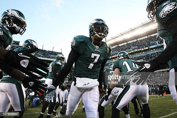 Michael Vick of the Philadelphia Eagles takes the field before playing against the Green Bay Packers in the 2011 NFC wild card playoff game at...