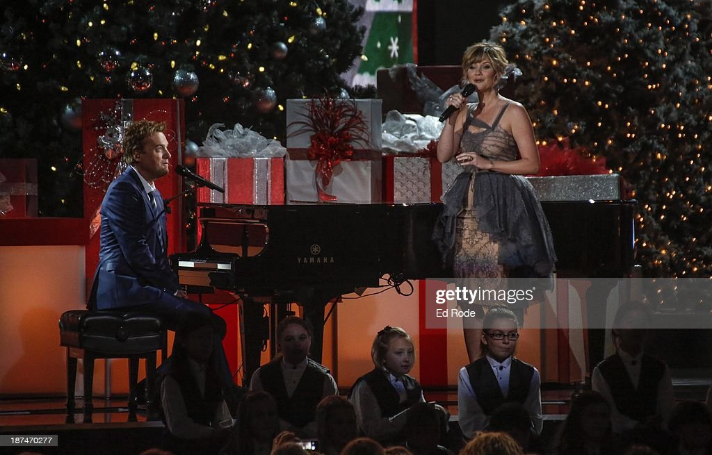 Michael W. Smith and Jennifer Nettles performs during the CMA 2013... News Photo - Getty Images