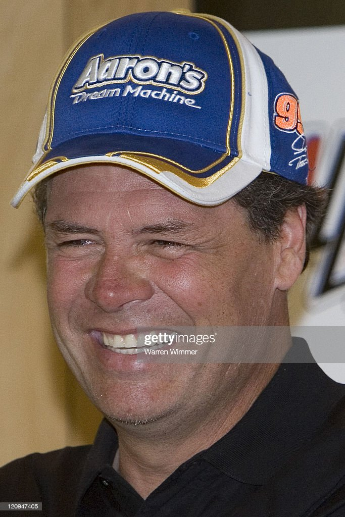 NASCAR - Nextel Series - Aaron's 499 Qualifying - April 27, 2007