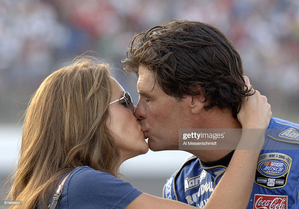 NASCAR - Busch Series - Carquest Auto Parts 300 - May 27, 2006 : News Photo