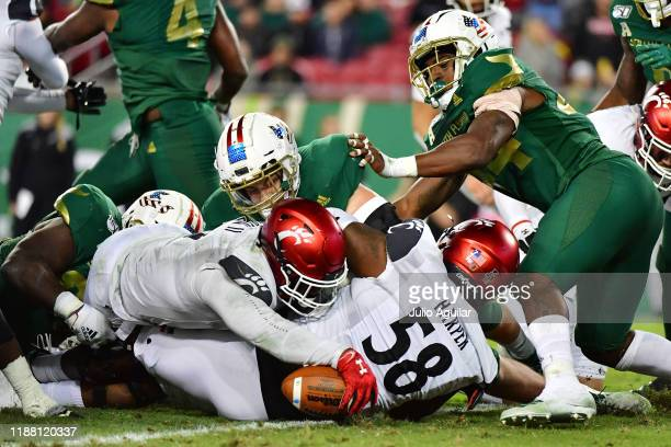 Michael Warren II of the Cincinnati Bearcats stretches for a touchdown during the fourth quarter of a football game against the South Florida Bulls...