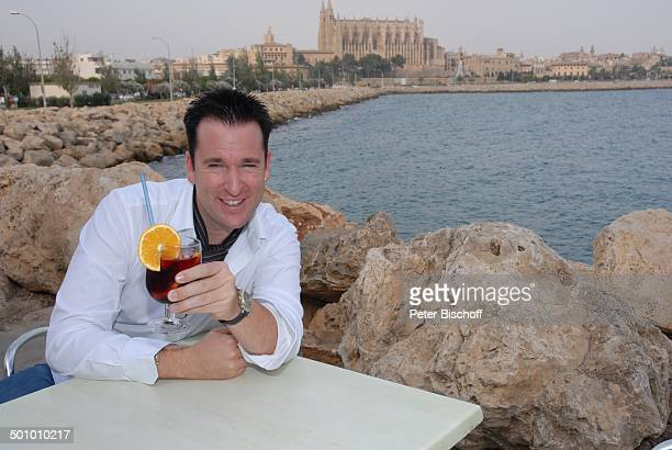Michael Wendler Palma de Mallorca Insel Mallorca Balearen Spanien Europa Kathedrale Kirche Meer Cocktail Sangria Alkohol Urlaub Schlager Sänger...