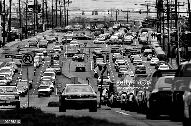 Michael Williamson/TWP Rockville Pike Montgomery county Maryland The hustle and bustle of life on the Pike Near gridlock on the Rockville Pike in...
