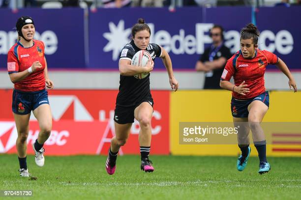 Michaela Blyde of New Zealand during match between New Zealand and Spain at the HSBC Paris Sevens stage of the Rugby Sevens World Series at Stade...