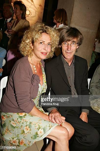 Michaela May Und Bernd Schadewald Bei Der Gabriele Blachnik Modenschau Der Herbst Winter 2005/2006 Kollektion In Der Kassenhalle Des Herkulessaals...