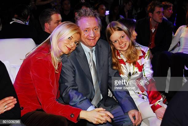 Michaela Merten Ehemann Pierre Franckh Tochter Julia Merten MicrosoftParty München Bayern Deutschland ProdNr 192/2007 Event Familie Ehefrau...