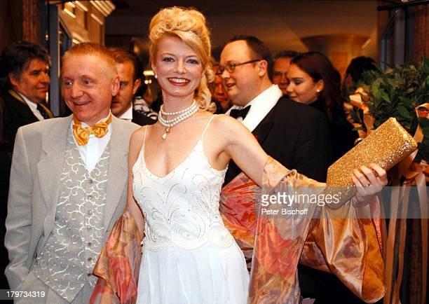 Michaela Merten mit Ehemann PierreFranckh Deutscher Filmball 1998 SexyAbendkleid München Bayern Deutschland Europa Hotel Bayerischer Hof