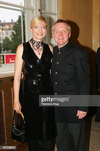 """Michaela Merten Und Ehemann Pierre Franckh Bei Der Verleihung Des """"Corine - Internationaler Buchpreis 2005"""" Im Prinzregententheater In München ."""