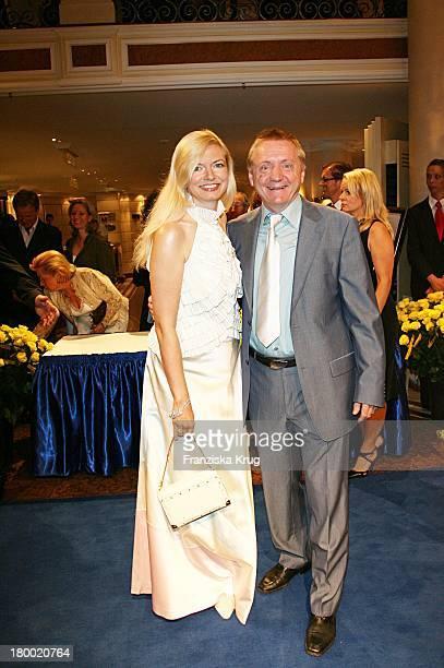 Michaela Merten Und Pierre Franckh Bei Der United People Charity Night 2006 Zugunsten PowerChild Im Hotel Bayrischen Hof In München