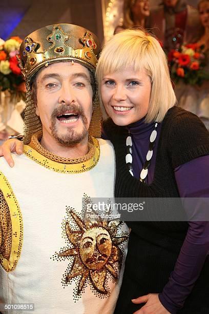 Michaela Schaffrath Darsteller aus Komikergruppe Monty Python Premiere Musical Monty Pythons Spamalot Kölner Musical Dome Köln NordrheinWestfalen...