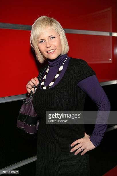 """Michaela Schaffrath , Premiere Musical """"Monty Pythons Spamalot"""", Kölner Musical Dome, Köln, Nordrhein-Westfalen, Deutschland, Musicalpremiere, Kette,..."""