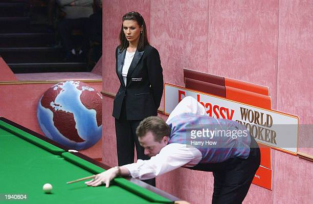 Michaela Tabb becomes the first female to referee at the World Snooker Championship as she watches over Drew Henry of Scotland in his first round...