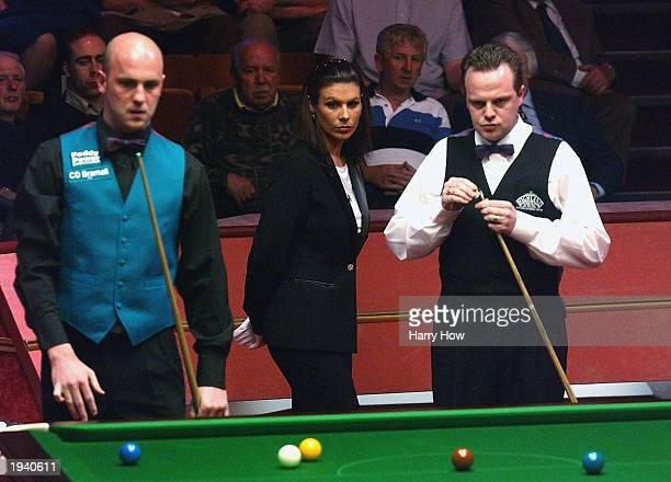 Michaela Tabb becomes the first female to referee at the World Snooker Championship in a match between Mark King of England and Drew Henry of...