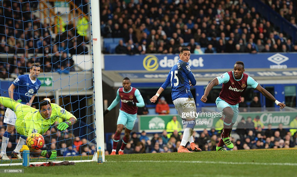 Michail Antonio of West Ham United celebrates scoring his team's first goal during the Barclays Premier League match between Everton and West Ham United at Goodison Park on March 5, 2016 in Liverpool, England.