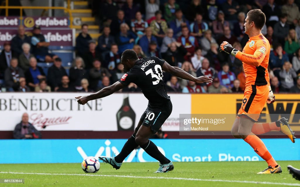 Michail Antonio of West Ham United scores his sides first goal during the Premier League match between Burnley and West Ham United at Turf Moor on October 14, 2017 in Burnley, England.