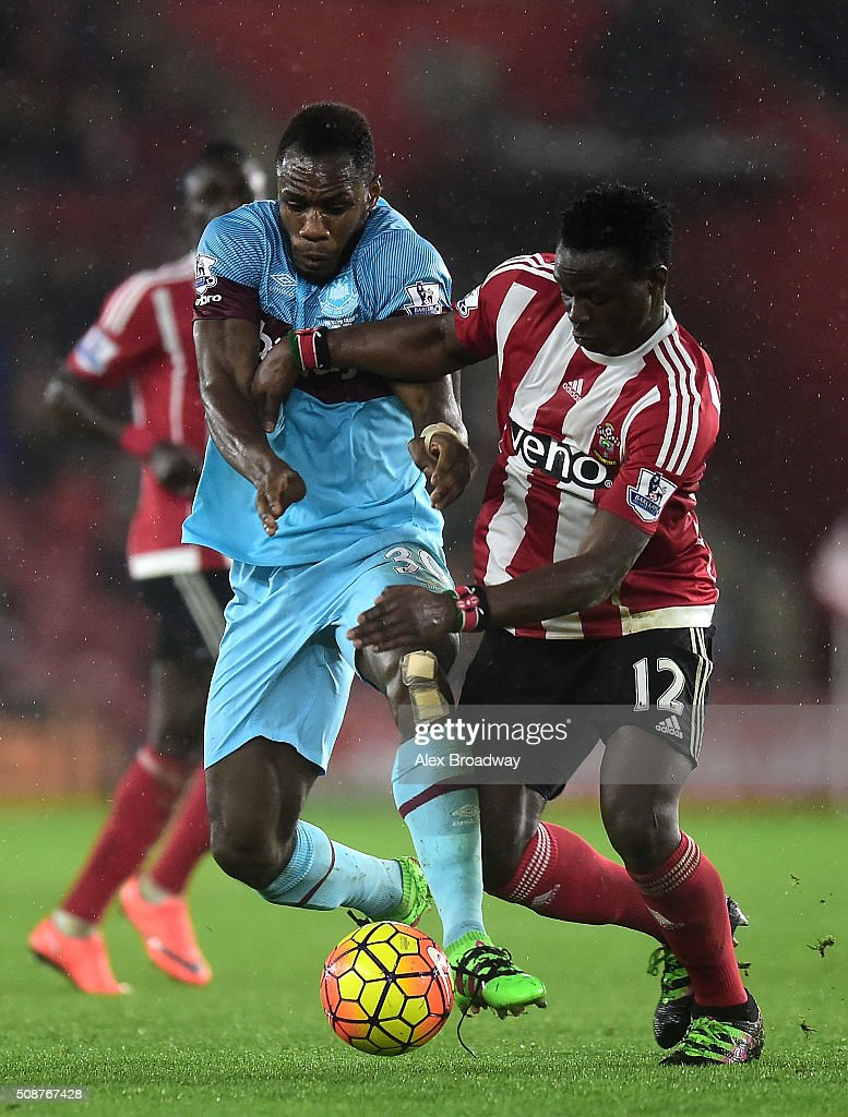 Michail Antonio of West Ham United tussles with Victor Wanyama of Southampton during the Barclays Premier League match between Southampton and West Ham United at St Mary's Stadium on February 6, 2016 in Southampton, England.