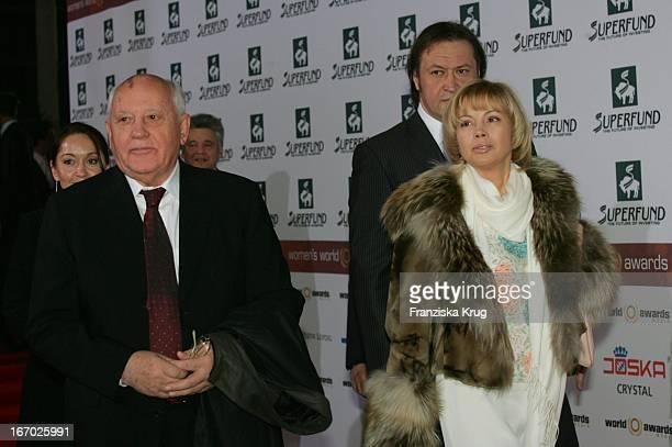 Michail Gorbatschow Und Tochter Irina Gorbatschowa Bei Der Verleihung Der Women'S World Awards In Der Media City In Leipzig