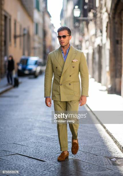 Michal Gronowski wearing coton double breasted suit Sebastian Zukowski white coton seersucker shirt Shirtonomy suede tassel loafers Yanko Persol...