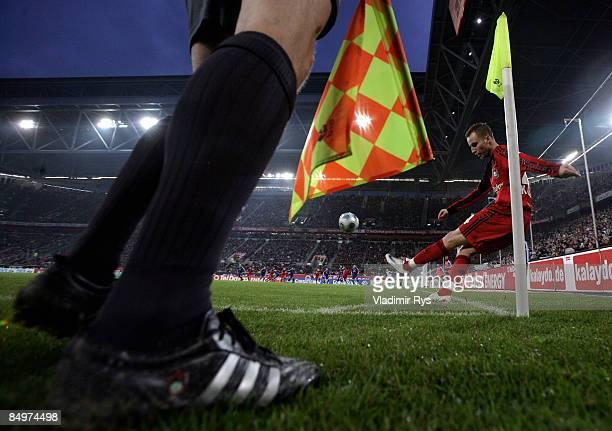 Michal Kadlec of Leverkusen executes a corner kick during the Bundesliga match between Bayer Leverkusen and Hamburger SV at the LTU Arena on February...