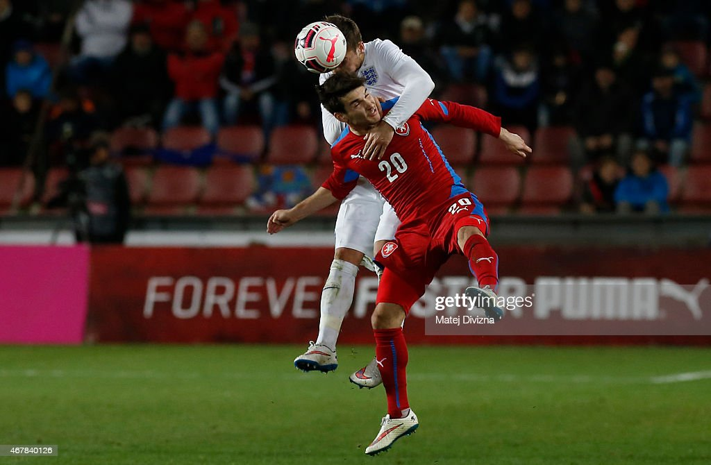 Michal Travnik of Czech Republic (R) battles for the ball with Jake Forster-Caskey of England (L) during the international friendly match between U21 Czech Republic and U21 England at Letna Stadium on March 27, 2015 in Prague, Czech Republic.
