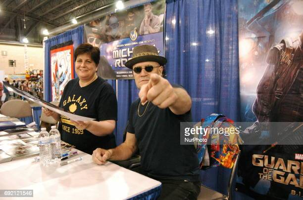 Micheal Rooker goofing off with Journalists even as he continue to show the LOVE Philly style at Wizard World Philadelphia on June 2 2017