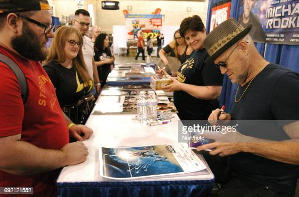 Micheal Rooker jokes and talks zombies with Walking Dead fans while signing some gruesome autographs during the 2nd day of Wizard Worl Philadelphia...