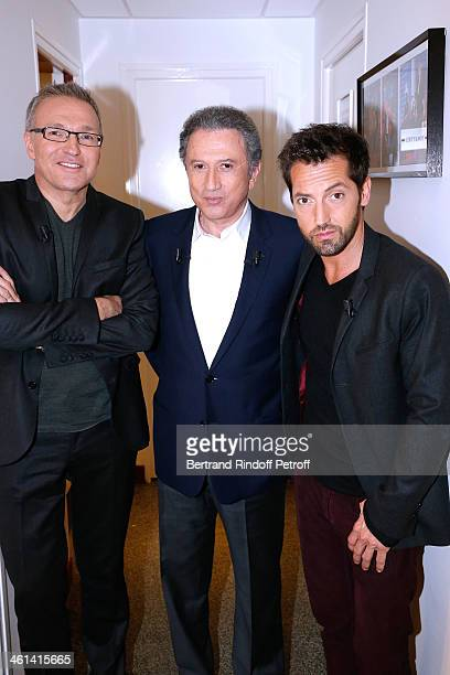 """Michel Drucker standing between Team of the drama """"Je prefere qu'on reste amis' actor frederic Diefenthal and autor of the drama Laurent Ruquier..."""