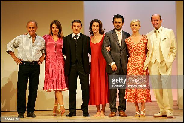Michel Fagadau Eva Mazauric Thierry Fremont Anne Brochet Bruno Madinier Anne Loiret and Gerard Maro at the Performance Of Le Miroir At La Comedie Des...