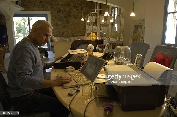 Michel Fugain At Home In Corsica Michel FUGAIN qui vit désormais seul dans sa maison de Corbara en Corse joue du synthétiseur et enregistre de la...