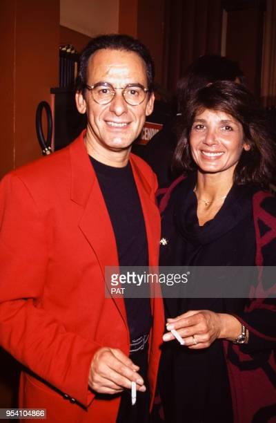 Michel Fugain avec son épouse Stéphanie lors d'une soirée en septembre 1991 à Paris France
