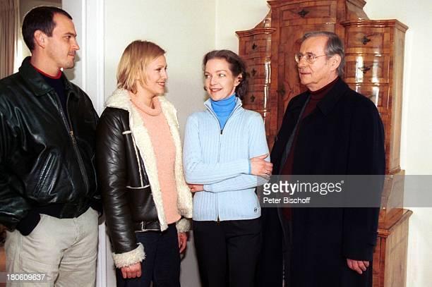 "Michel Guillaume, Christine Döring, Dietlinde Turban, Wilfried Klaus, , ZDF-Serie ""SOKO 5113"", 275. Folge: ""Die Stimme"", München, Brille,"