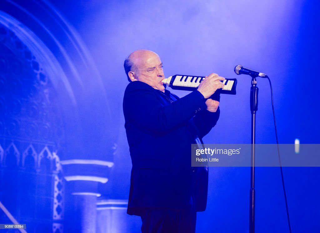 Michel Jonasz And Jean-Yves d'Angelo Perform At The Union Chapel : Nachrichtenfoto