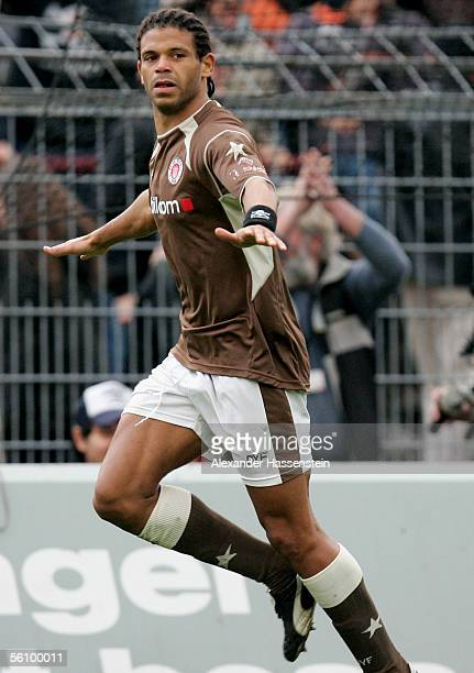 Michel MazinguDinzey of St Pauli celebrates scoring the first goal during the match of the Third Bundesliga between FC St Pauli and Rot Weiss Essen...