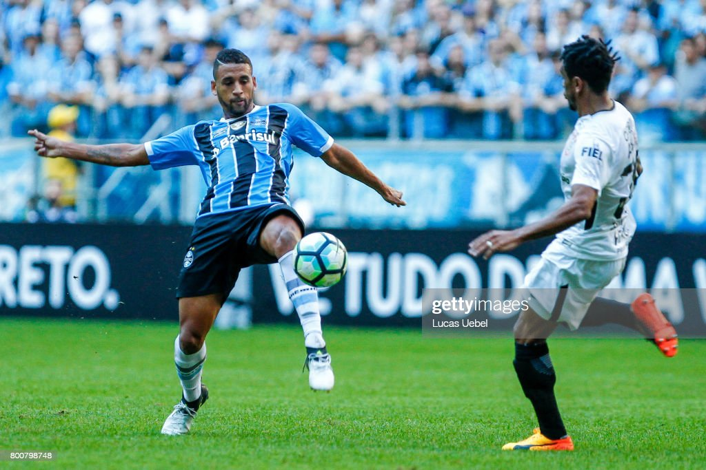 Michel of Gremio battles for the ball against Paulo Roberto of Corinthians during the match Gremio v Corinthians as part of Brasileirao Series A 2017, at Arena do Gremio on June 25, 2017, in Porto Alegre, Brazil.