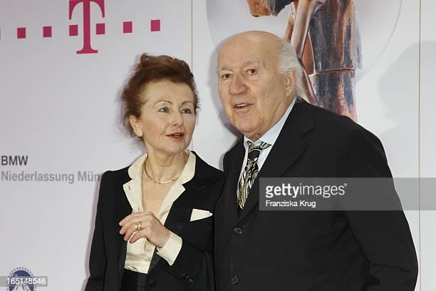 Michel Piccoli Und Ehefrau Ludivine Clerc Bei Der 21 Diva Verleihung Im Bayerischen Hof In München