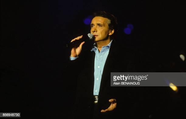 Michel Sardou en concert au Palais Omnisports de Bercy le 28 janvier 1991 a Paris France