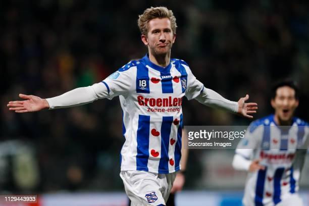 Michel Vlap of SC Heerenveen, celebrate his goal the 1-2 during the Dutch Eredivisie match between ADO Den Haag v SC Heerenveen at the Cars Jeans...