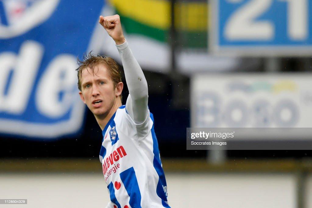 SC Heerenveen v Willem II - Dutch Eredivisie : ニュース写真