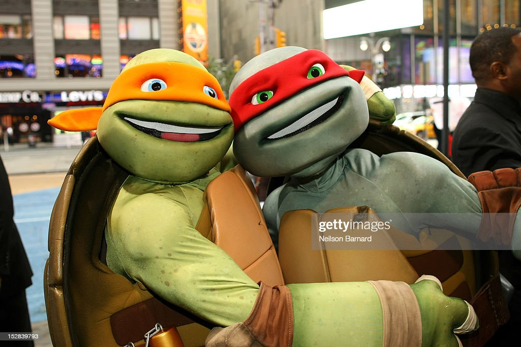 Michelangelo And Raphael Experience The Big Apple To Prepare For