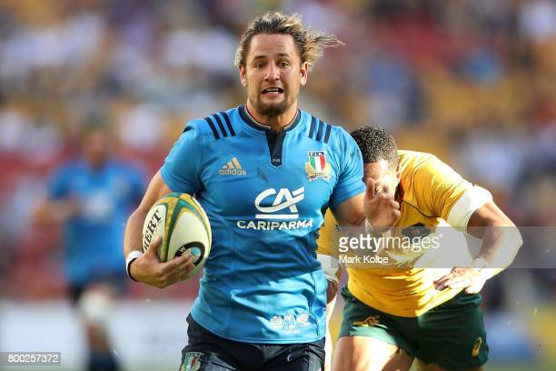 Michele Campagnaro of Italy breaks away to score a try during the International Test match between the Australian Wallabies and Italy at Suncorp...