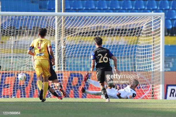 Michele Marconi of Pisa SC scores the opening goal during the serie B match between SC Pisa and AS Cittadella at Arena Garibaldi on July 3, 2020 in...