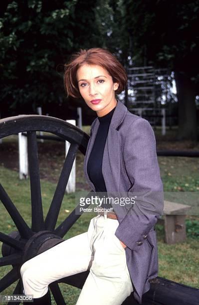 Michele Marian 9teilige ZDFSerie Neues vom Immenhof Staffel 2 Hamburg Deutschland SoloMotiv Park Schauspielerin