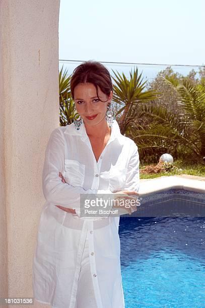 07 April 1963 Sternzeichen Widder Porte 'de Andratx/Mallorca/Spanien Schauspielerin Promis Prominente Prominenter Ohrringe Pool Urlaub Swimmingpool...