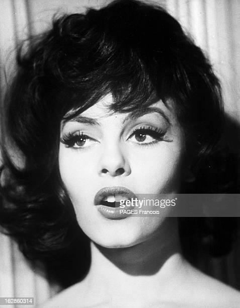 Michele Mercier In The Film 'The Second Truth' And 'Angelique' 6 janvier 1966 portrait de l'actrice Michèle MERCIER de face la bouche ouverte Elle...