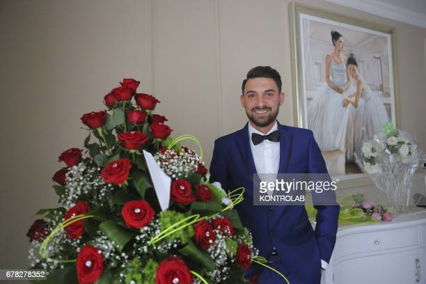 Michele Picone is waiting for his girlfriend Alessia Cinquegrana in their apartment to go and get married at Aversa Town Hall. Alessia, Miss Italy...